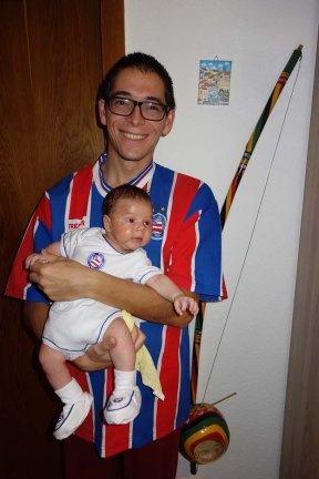Papa mit dem Kleinen ganz auf Bahia gestylt.